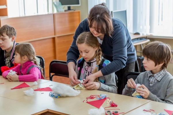 В школах ученикам с ОВЗ будут помогать тьюторы