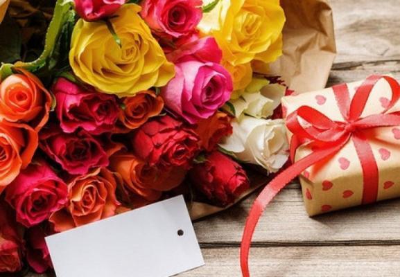 Самовывоз и доставка цветов в Питере