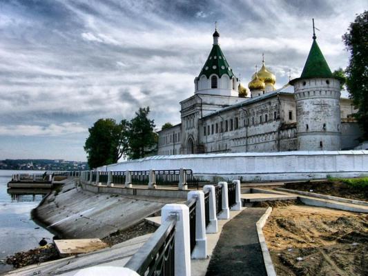 Что из себя представляет город-жемчужина Кострома?