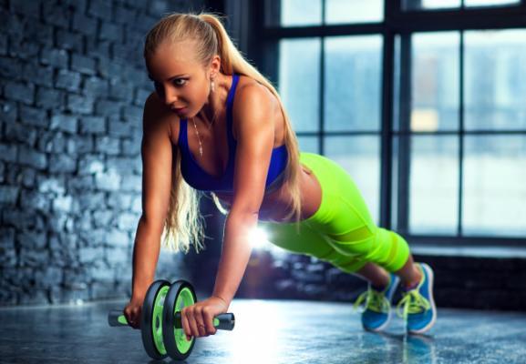 Следите за телом и здоровьем! Посещение фитнес клуба
