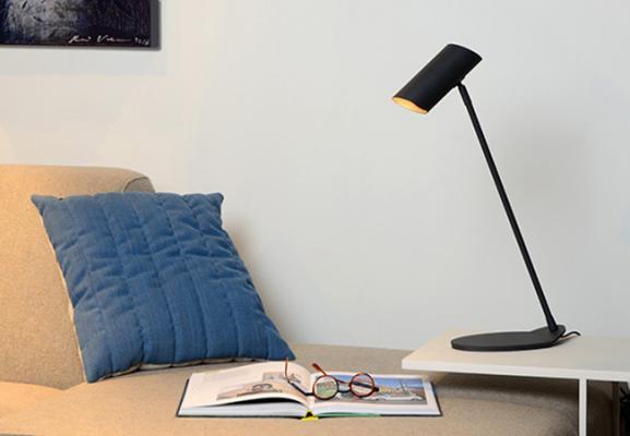 Настольные лампы - обязательные атрибуты офиса, спальни