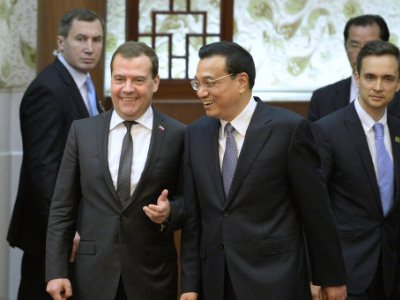 Медведев приглашает китайцев учиться в России