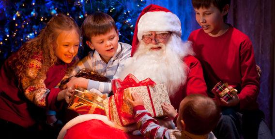 Как подготовить ребенка к первой встрече Деда Мороза