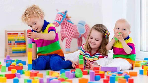 Разнообразие игрушек для детей в России