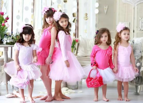 Детское нарядное платье: советы по выбору одежды на праздники