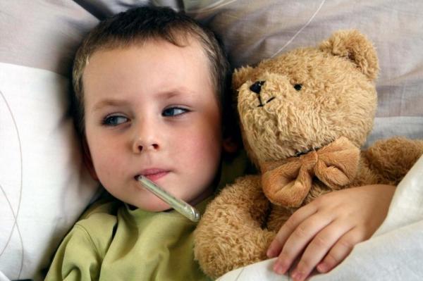 290 российских школ закрыли на карантин из-за гриппа и ОРВИ