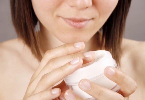 Товары для красоты и здоровья. Выбор крема или лосьона